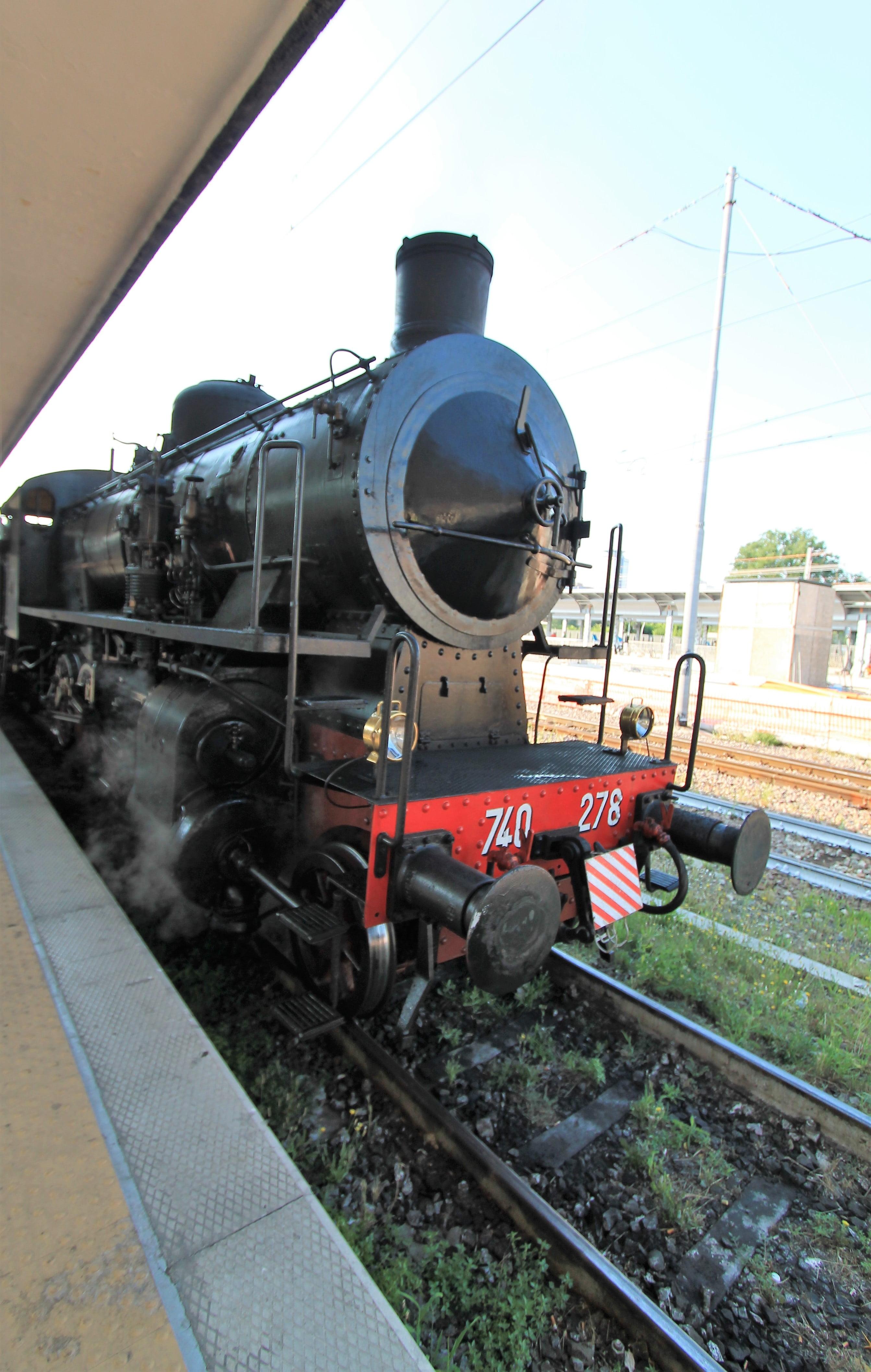 treno a vapore locomotiva modello 740.278
