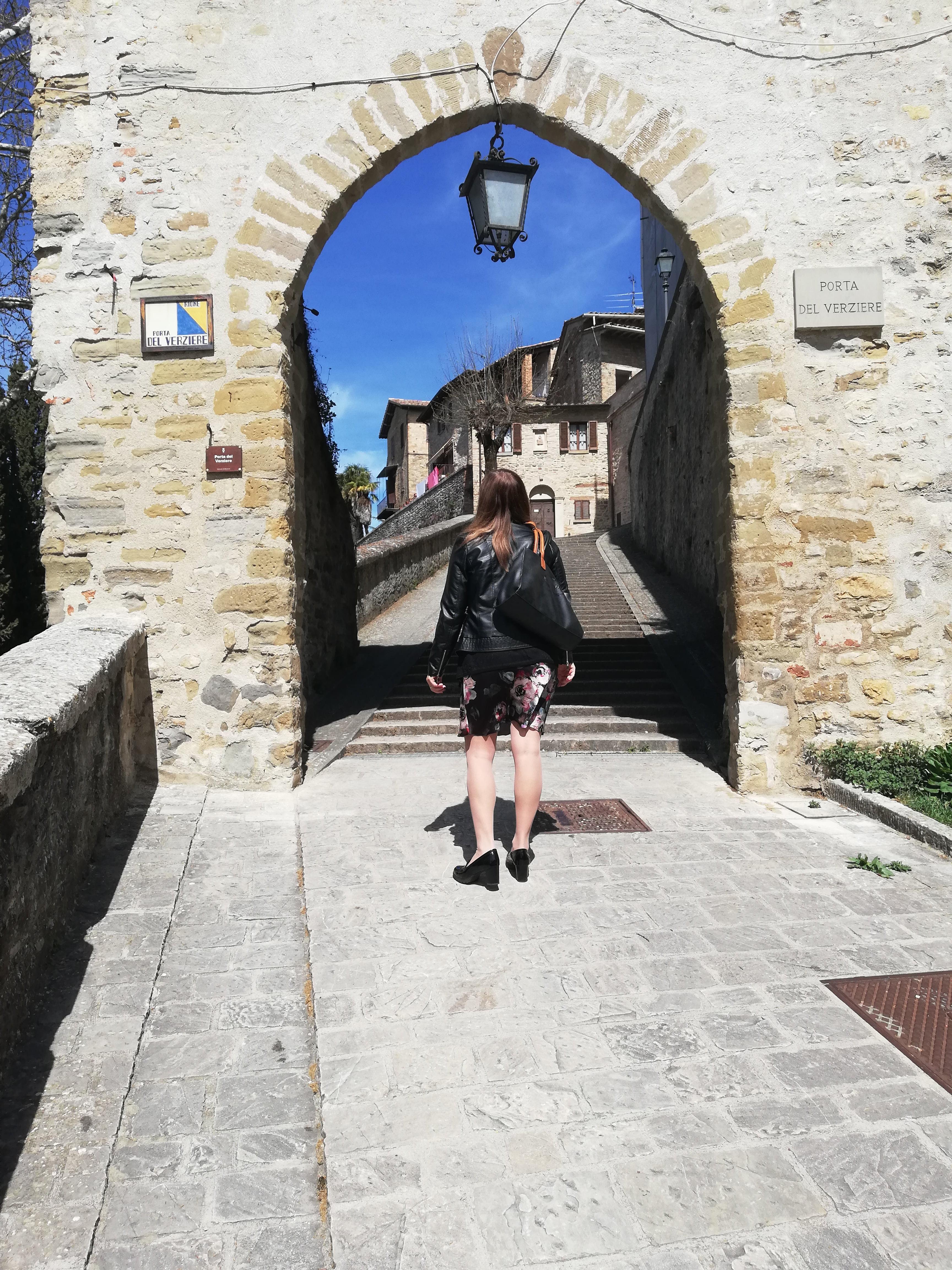 Porta Borgo Vecchio, Montone