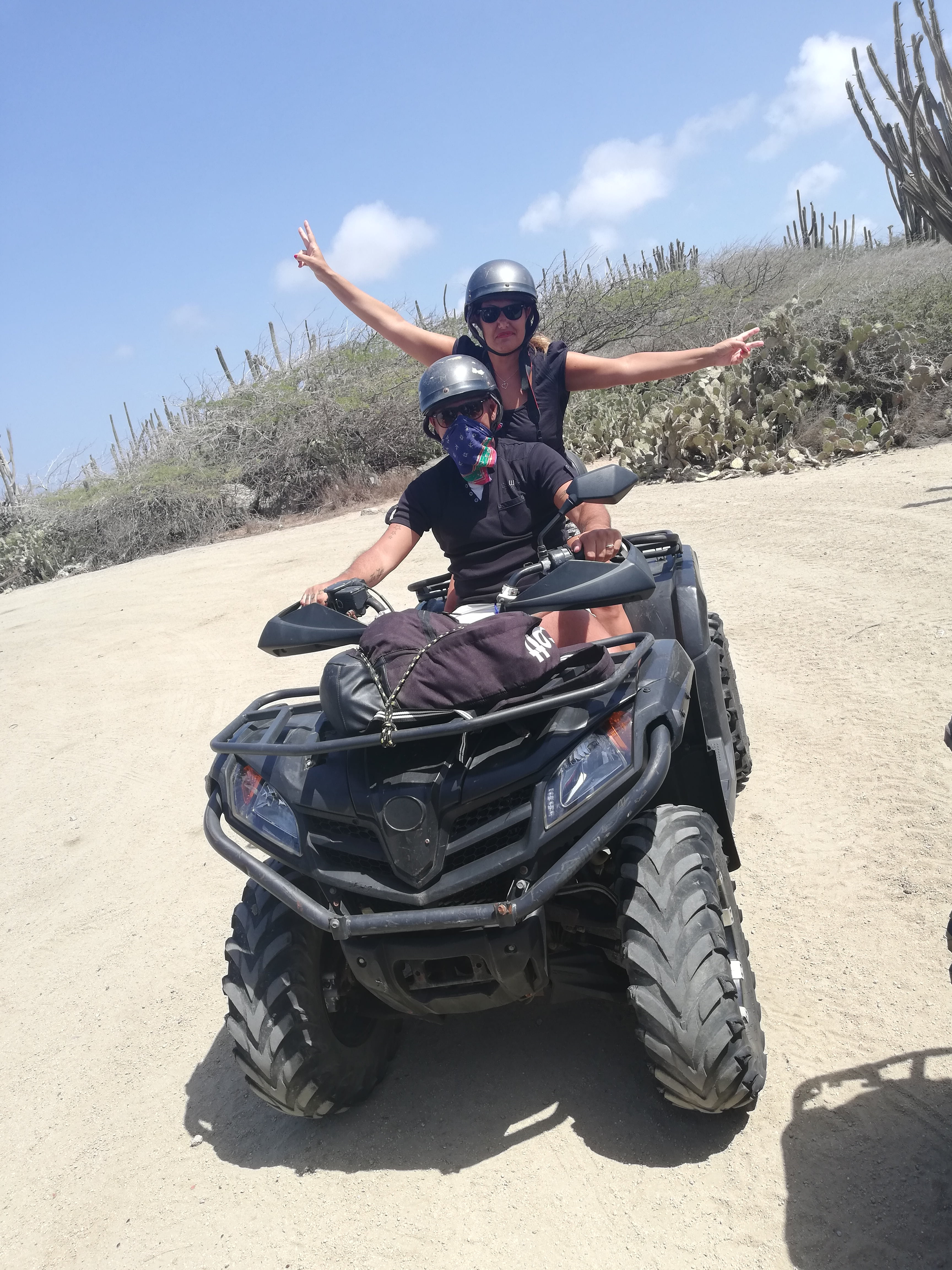ACTION TOURS ARUBA, TOUR IN QUAD (ATV)