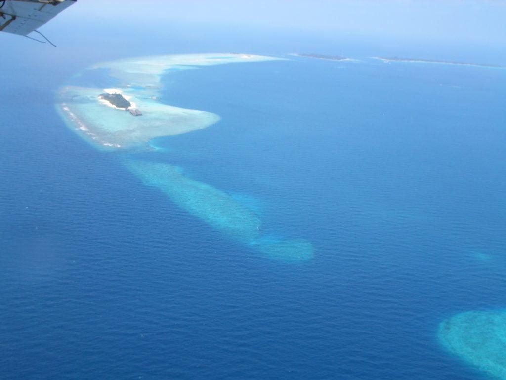 VELIGANDU MALDIVE, LA VEDUTA DELL'ISOLA DALL'IDROVOLANTE