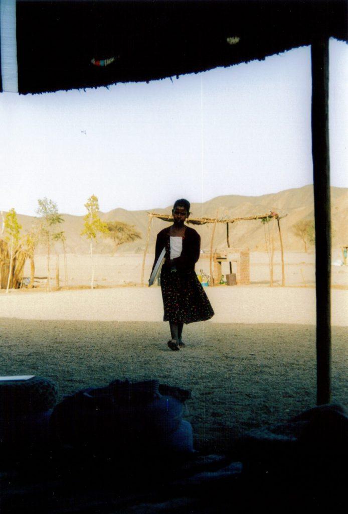 deserto in Egitto, bambina beduina