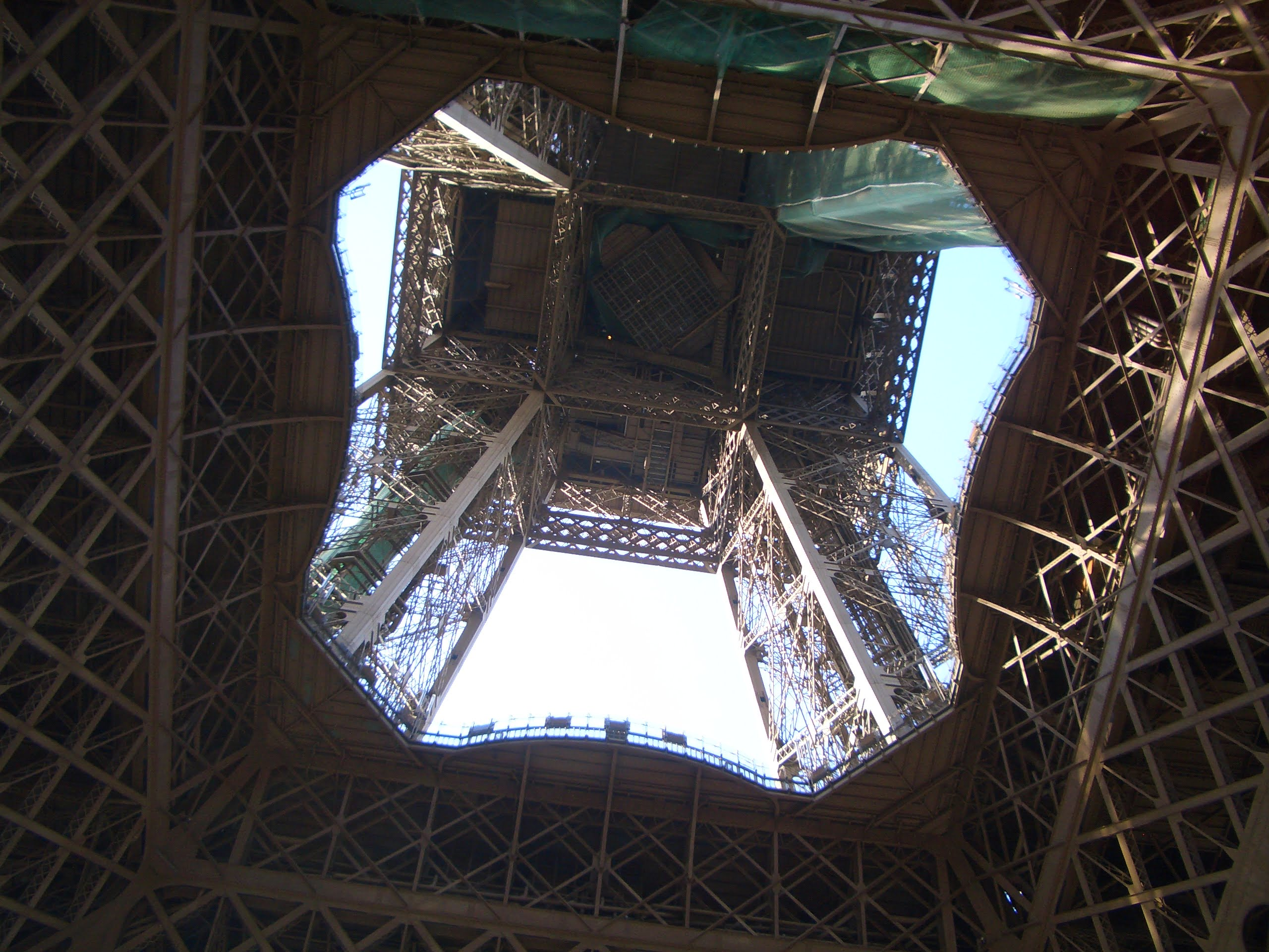 TOUR EIFFEL, AIR FRANCE. QUANDO ANDARE A PARIGI