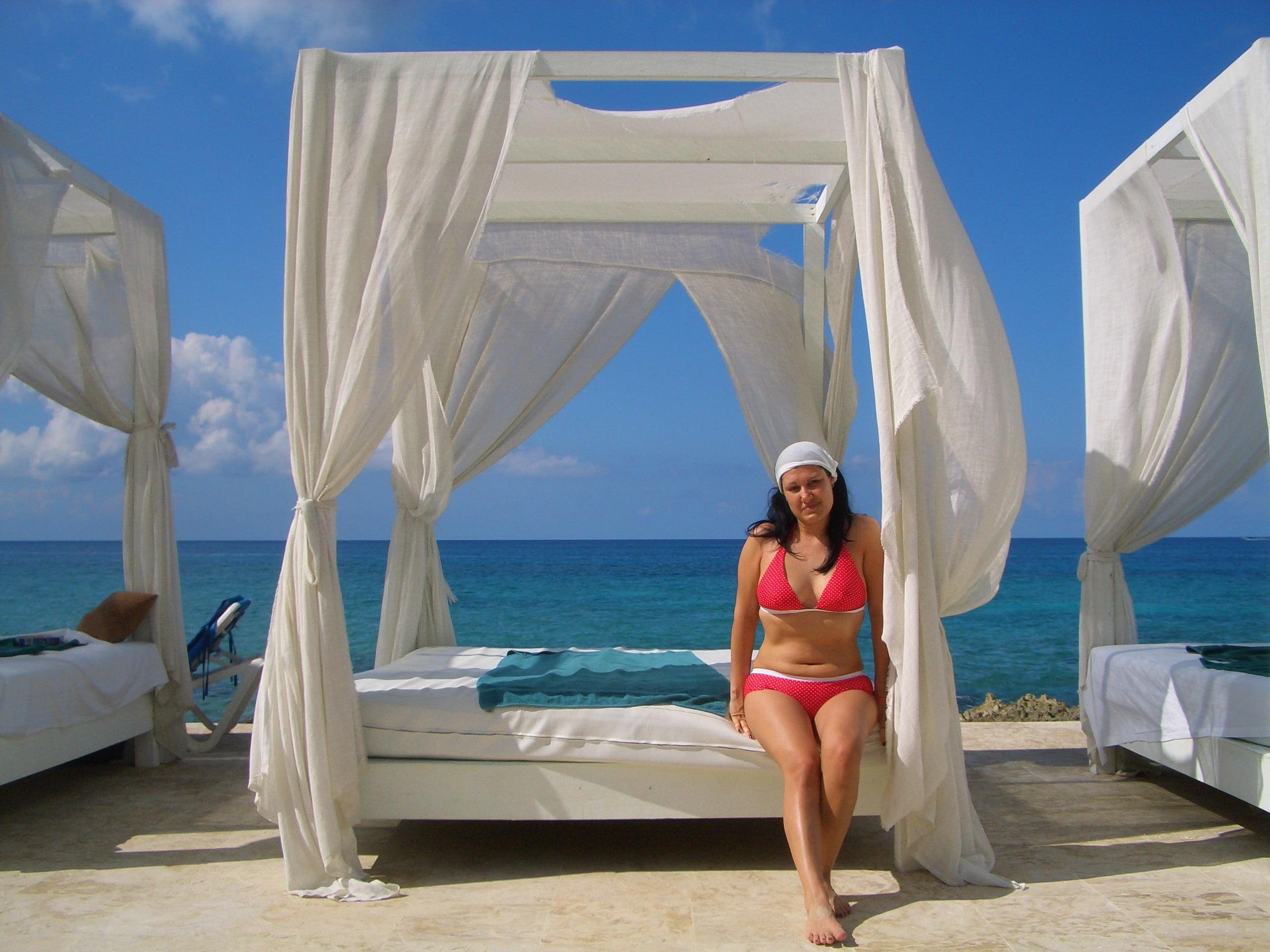 VIVA DOMINICUS BEACH REPUBBLICA DOMINICANA BAYAHIBE, I BALDACCHINI IN PISCINA CON VISTA MARE