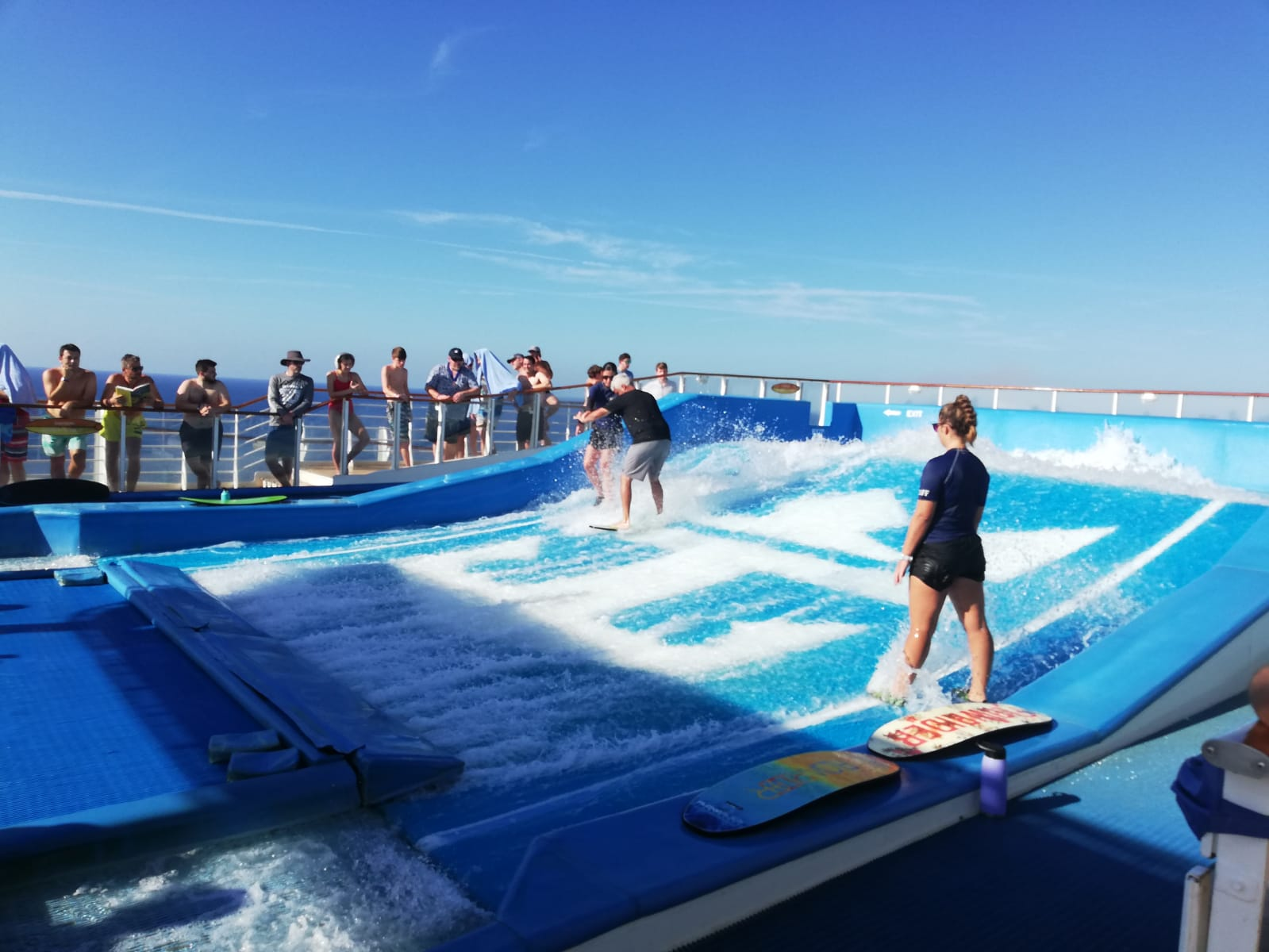 ALLURE OF THE SEAS CENTRAL PARK ROYAL CARIBBEAN, FLOW RIDE