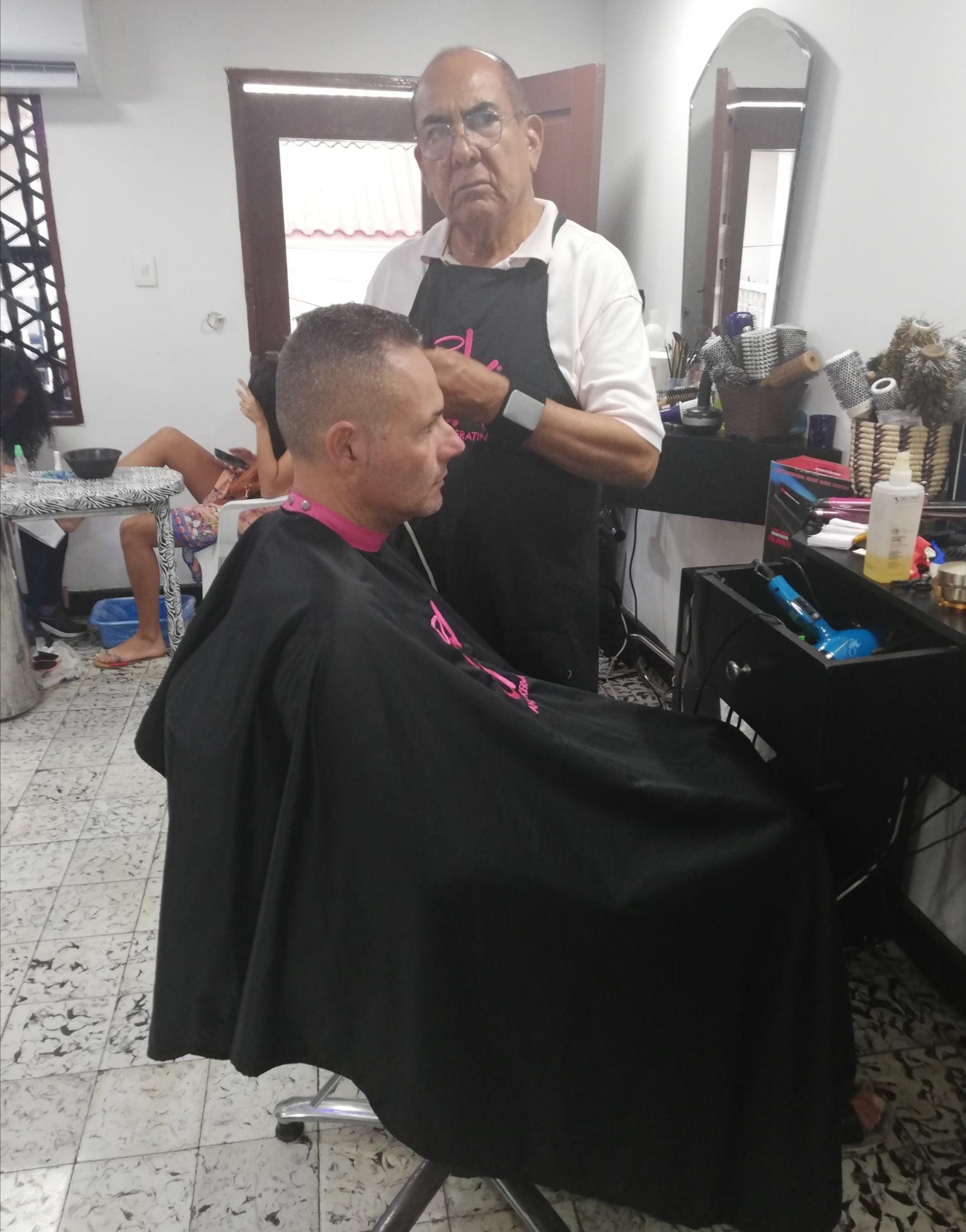 TAGLIO DI CAPELLI CARTAGENA DE INDIAS COLOMBIA